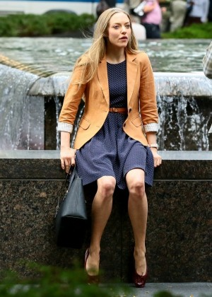 """Amanda Seyfried in Mini Dress on the set of """"Ted 2"""" in NY"""