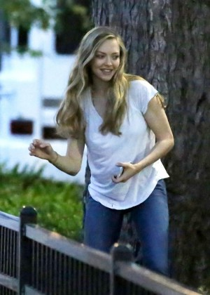 "Amanda Seyfried On the set of ""Ted 2"" in Boston"