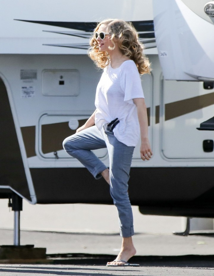 "Amanda Seyfried in Jeans - On the set of ""Ted 2"" in Boston"