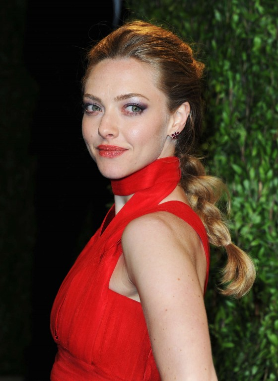 Amanda Seyfried – Oscar 2013 – Vanity Fair Party -02