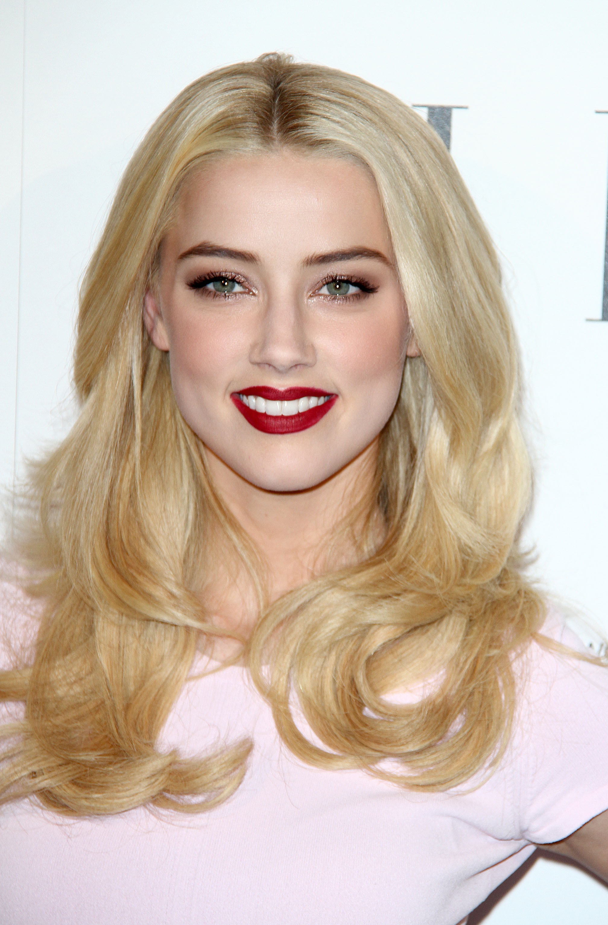 Amber Heard Tight Dress Candids At Elle Women In La 02