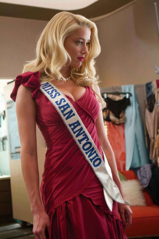 Amber Heard: Hot Machete Kills pics -03