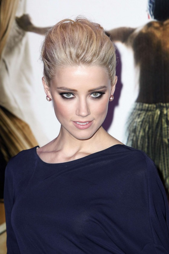 Amber Heard – The Rum Diary Premiere in Paris