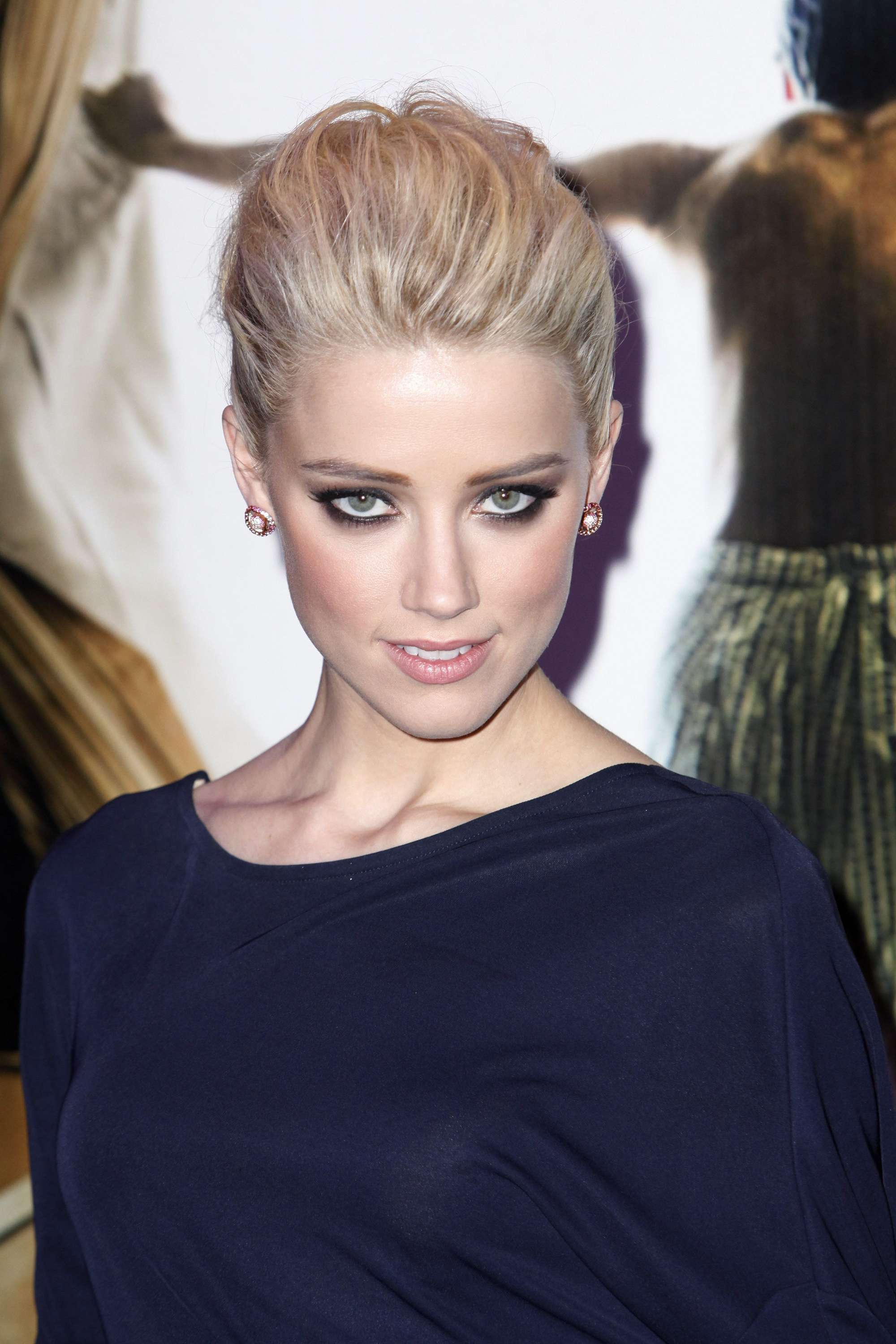 Amber Heard Blue Dress Candids At The Rum Diary Premiere