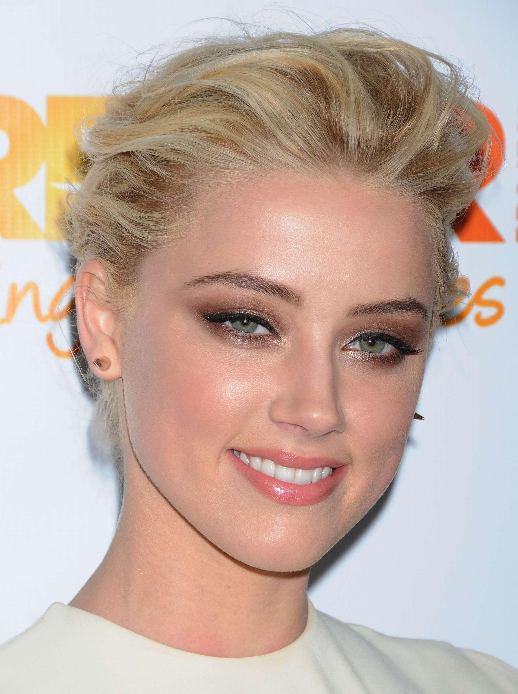 Amber Heard – The Tr...