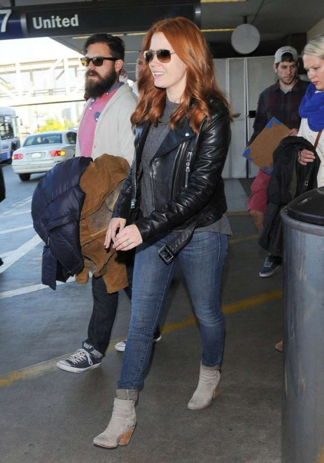 Amy Adams in Jeans at LAX -01