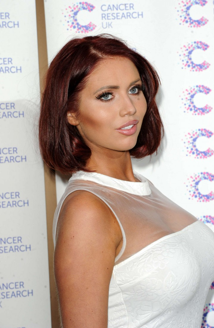 Amy Childs Jog-on To Cancer in London