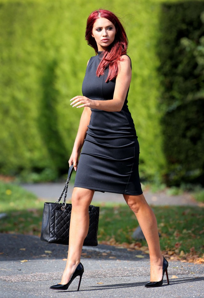 Amy Childs Out And About In Chigwell Gotceleb