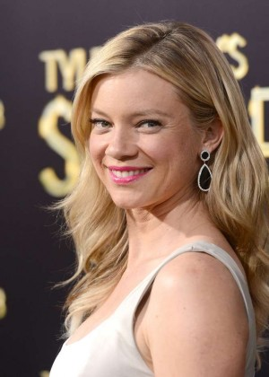 Amy Smart: The Single Moms Club Premiere -02