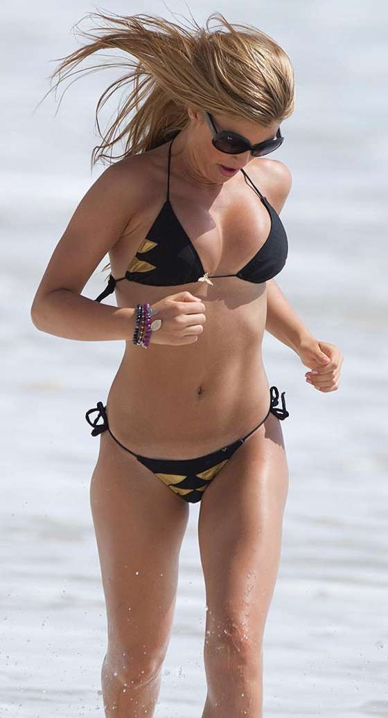 Amy Willerton - Bikini Candids at St Maarten in the Caribbean
