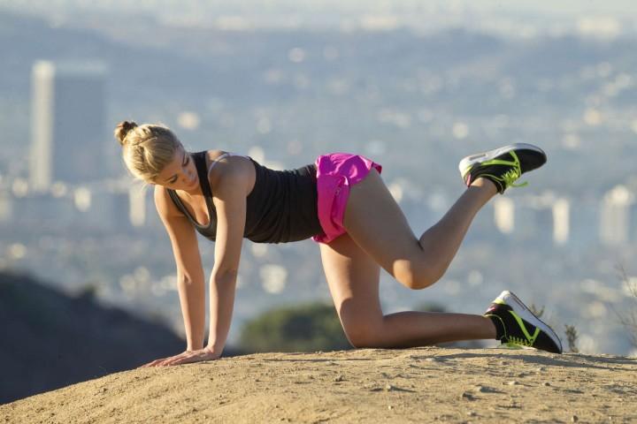 Amy Willerton – Morning jog along Sunset Blvd in Los Angeles