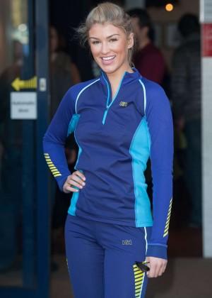 Amy Willerton hot in leggings -02