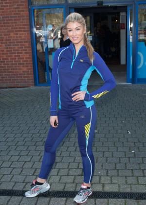 Amy Willerton hot in leggings -03