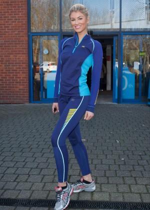 Amy Willerton hot in leggings -05