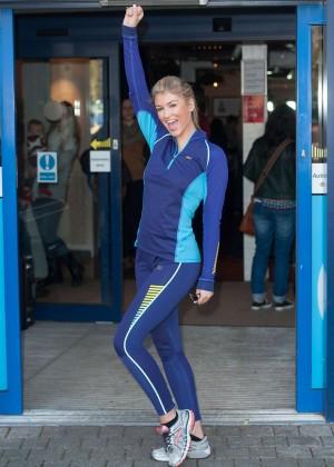 Amy Willerton hot in leggings -07