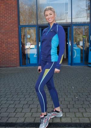 Amy Willerton hot in leggings -09