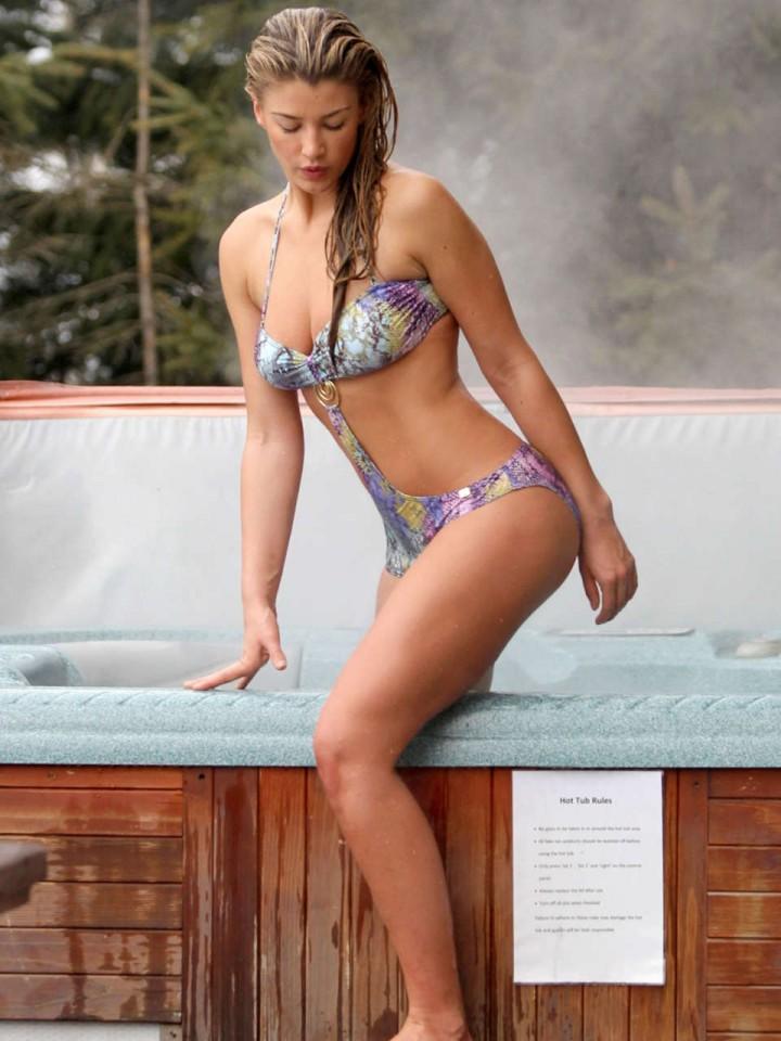 Amy Willerton – Wearing Bikini in Switzerland