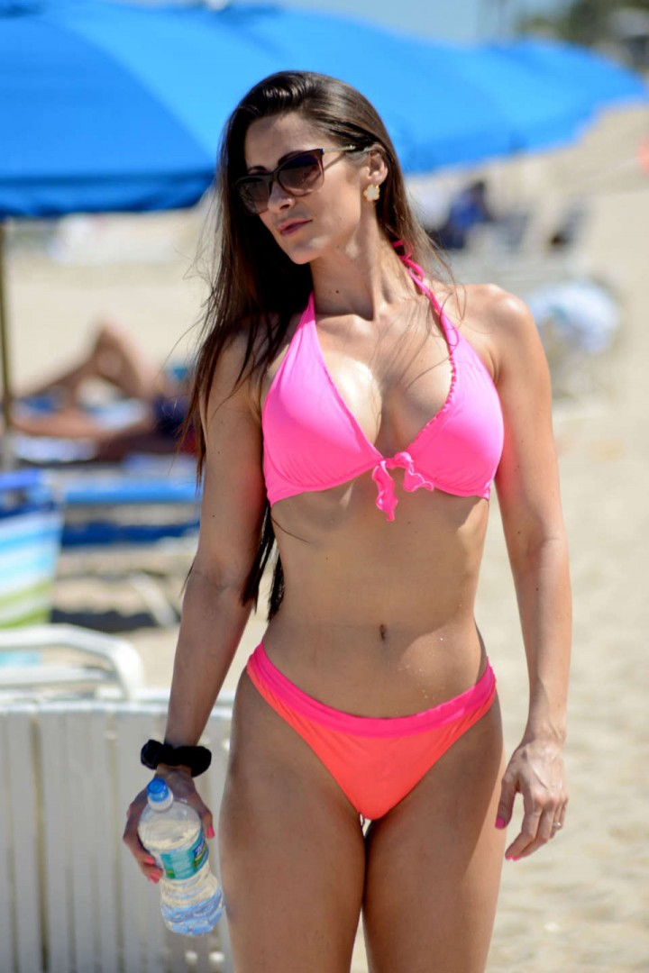 Anais Zanotti Pink Bikini on the beach