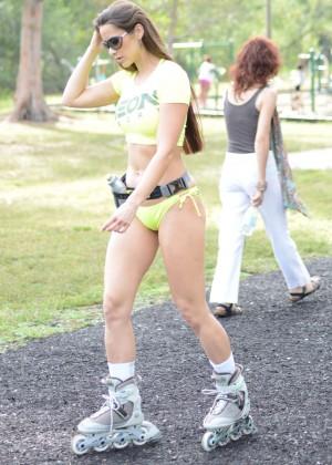 Anais Zanotti Rollerskating Photos: Miami 2014 -07