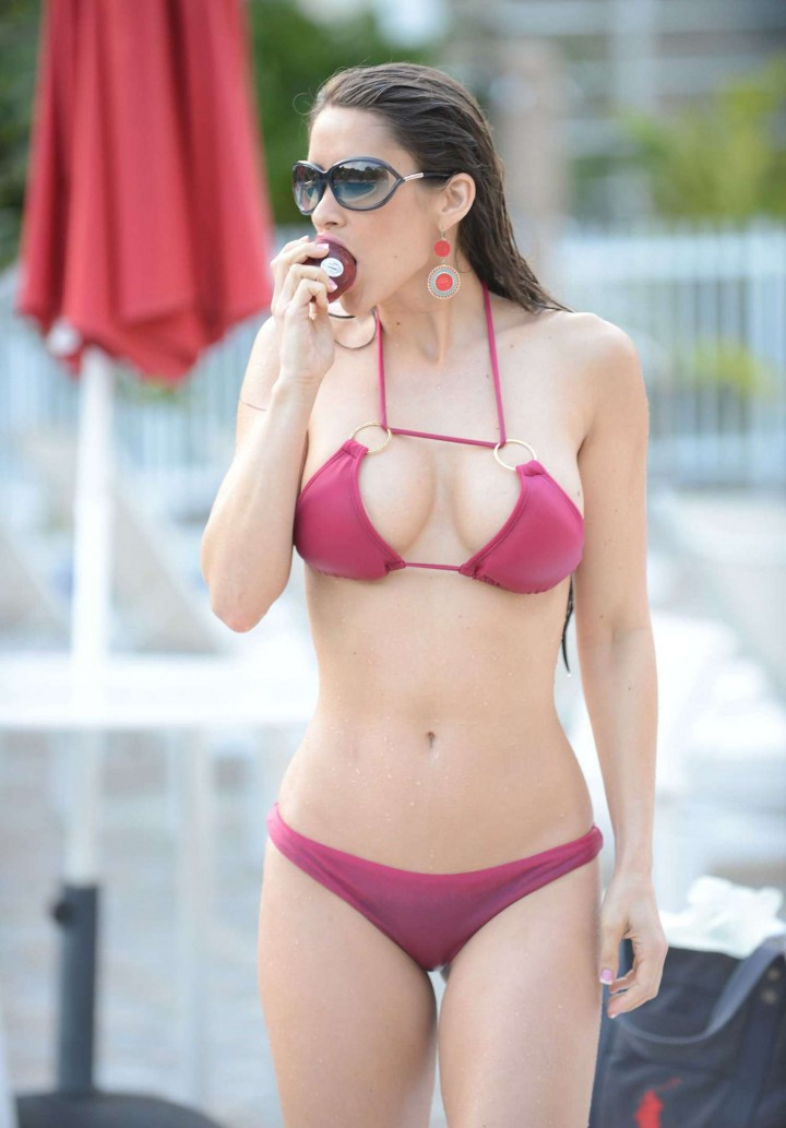 Anais Zanotti Bikini Photos: 2014 in Miami -04