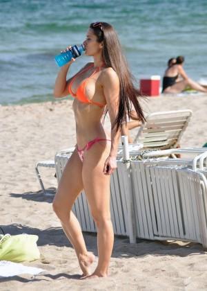Anais Zanotti Hot Bikini Body -01