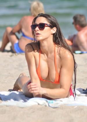 Anais Zanotti Hot Bikini Body -03