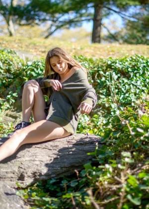 Anastasia Ashley: Esquire 2014 -04