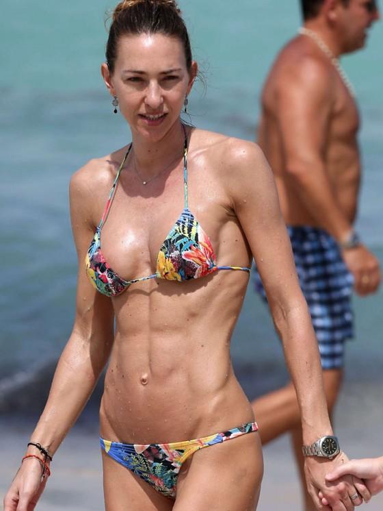 Andrea Burstein – Bikini – Miami Beach 2013 -08