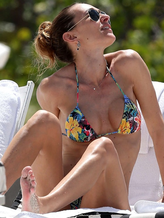 Andrea Burstein – Bikini – Miami Beach 2013 -10