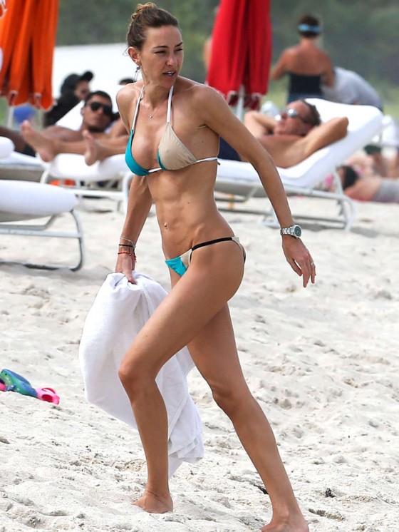 Back to post Andrea Burstein in a Bikini Hits Miami Beach