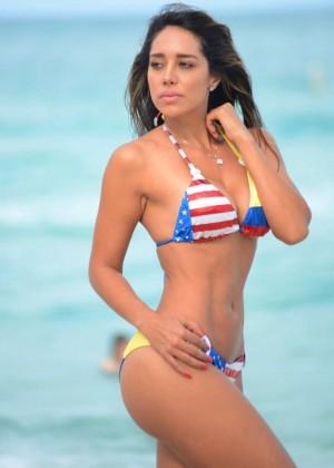 Andrea Calle Bikini 2014 -03