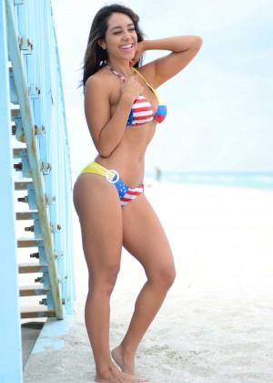 Andrea Calle Bikini 2014 -05