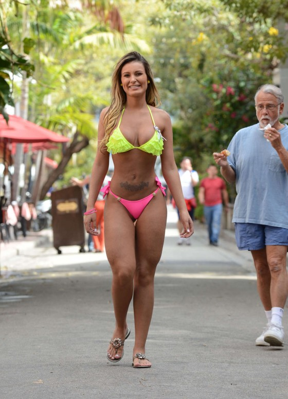 Andressa Urach in a thong bikini in Miami-14