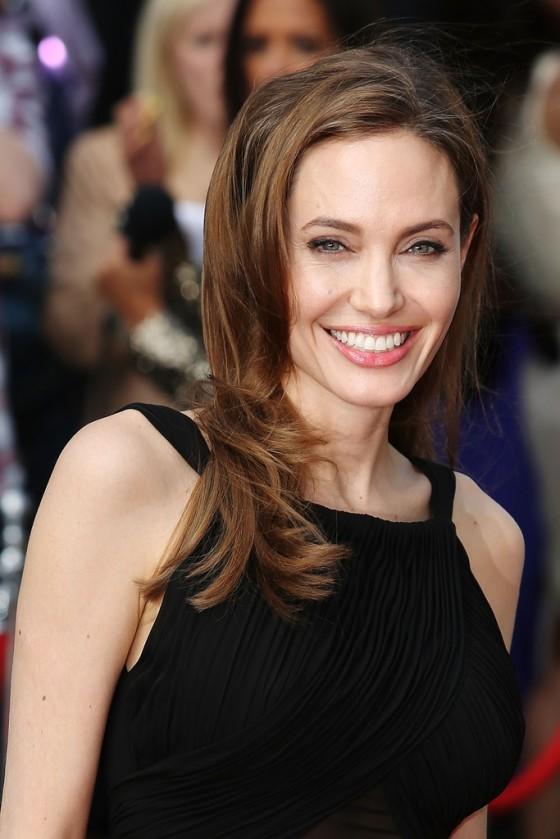 Angelina Jolie at World War Z premiere in London -08