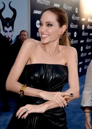 Angelina Jolie in black shiny dress -01