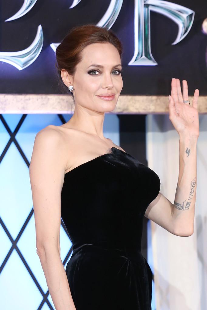 Angelina Jolie 2014 : Angelina Jolie: Maleficent Premiere -04