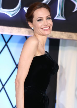 Angelina Jolie: Maleficent Premiere -11
