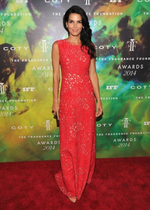 Angie Harmon - 2014 Fragrance Foundation Awards in NYC -03