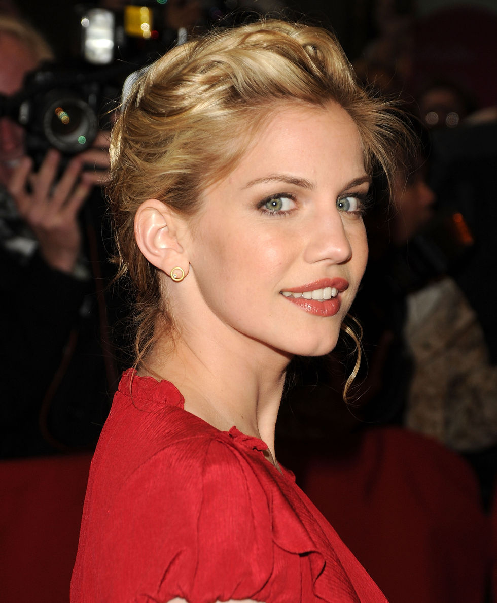 Anna chlumsky nackt body just