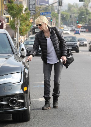 Anna Faris in Tight Jeans Out in LA