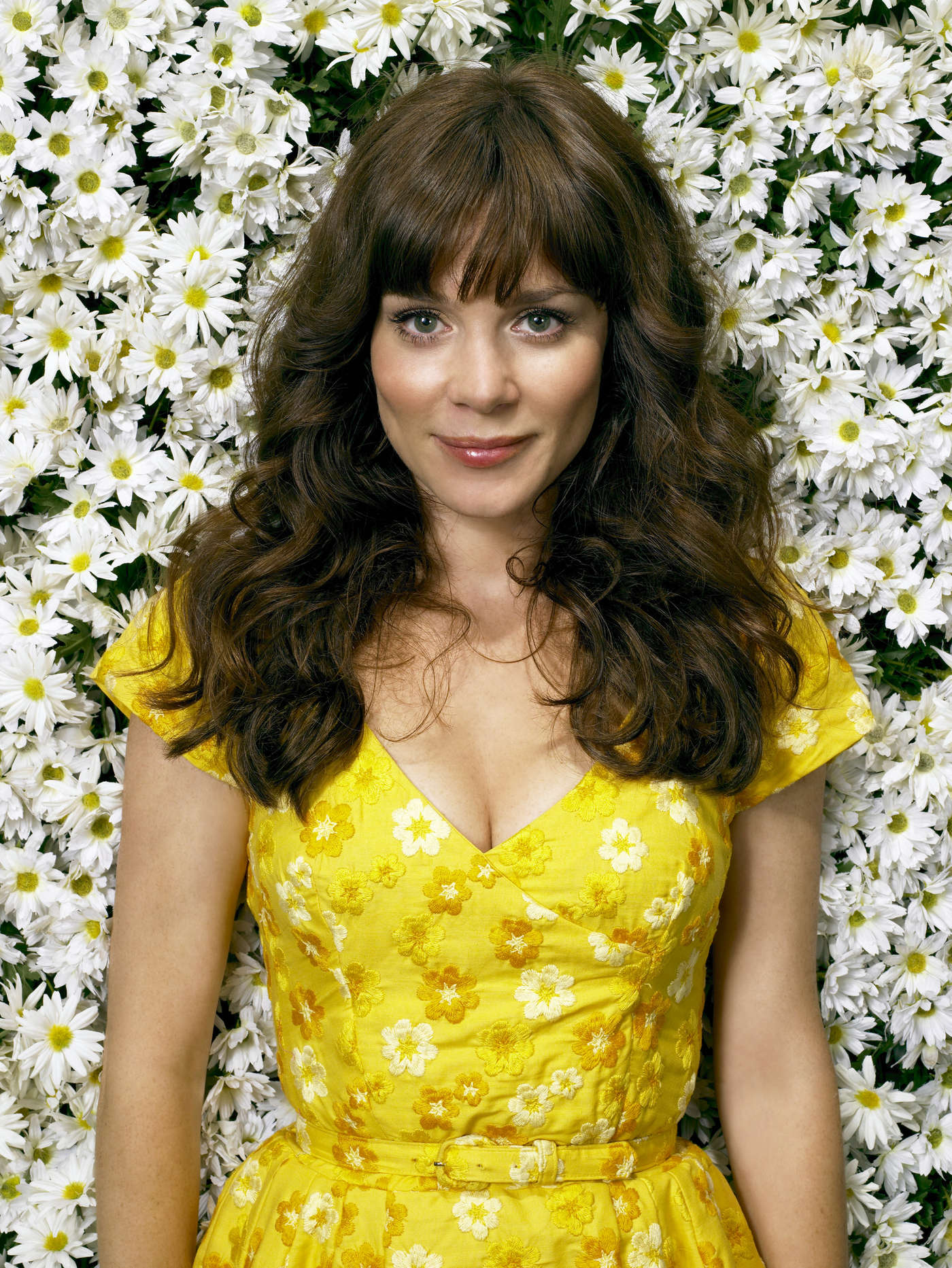 anna friel in pushing daisies photoshoot 04 gotceleb