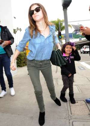 Anna Kendrick - LAX airport in Los Angeles