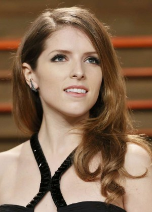 Anna Kendrick: Oscar 2014 - Vanity Fair Party -01