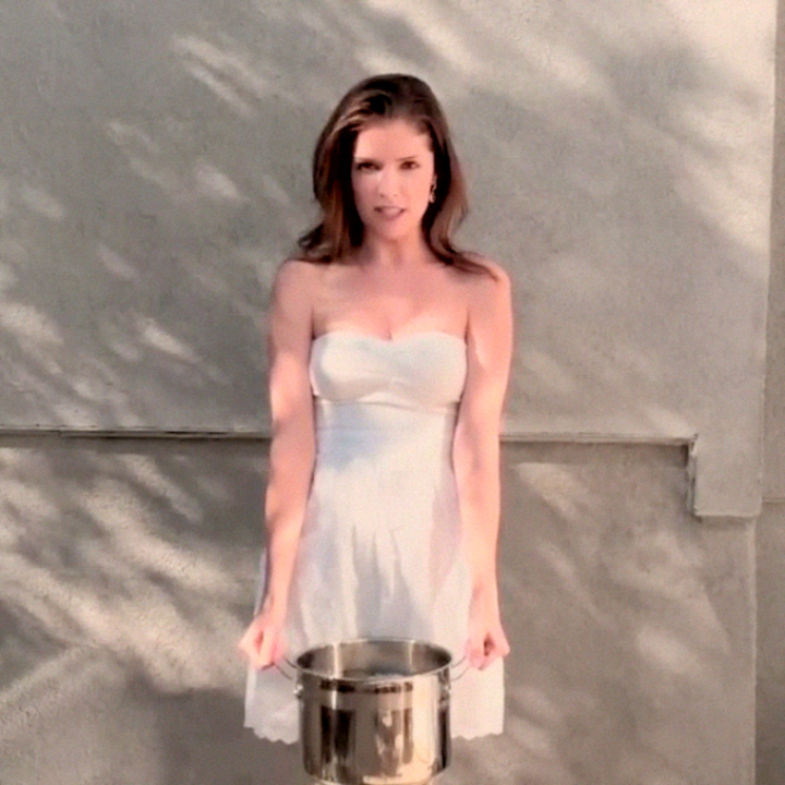 Anna Kendrick Pouring Cold Water On Herself 03 Gotceleb