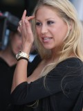 anna-kournikova-laureus-charity-gala-at-the-mbb-in-stuttgart-02