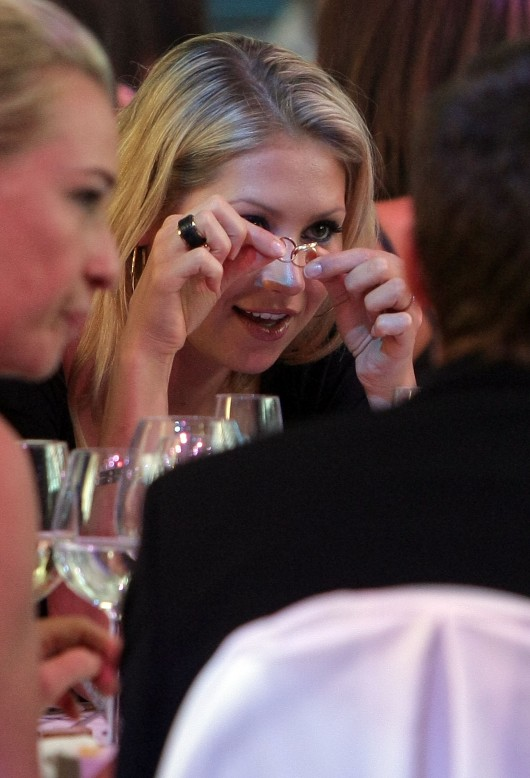 anna-kournikova-laureus-charity-gala-at-the-mbb-in-stuttgart-09
