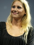 anna-kournikova-laureus-charity-gala-at-the-mbb-in-stuttgart-13