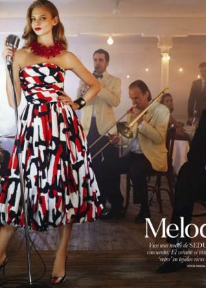 Anna Selezneva: Elle Spain -01