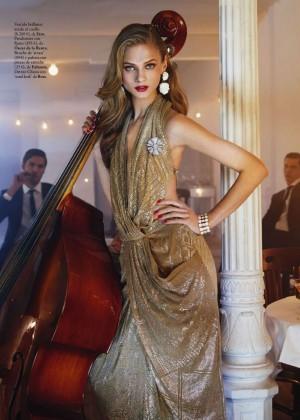 Anna Selezneva: Elle Spain -05