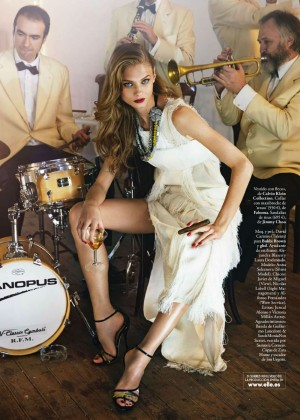 Anna Selezneva: Elle Spain -06